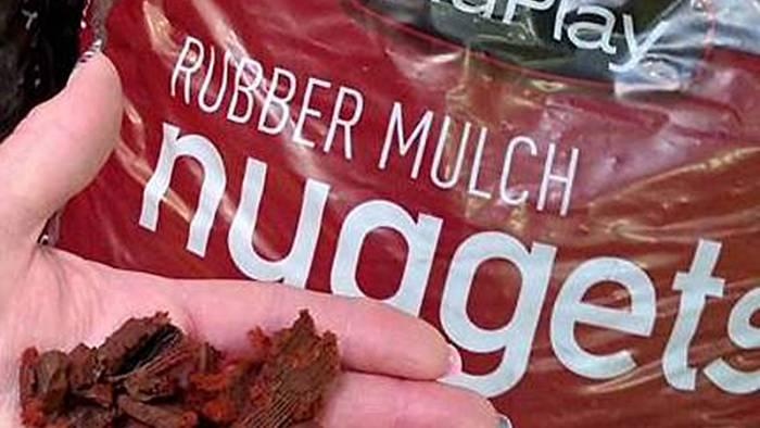 B mulch in hand